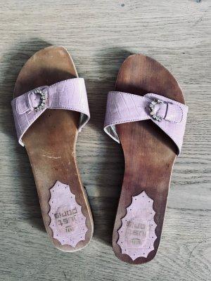 Entzückende Holz-Pantoffeln rosa