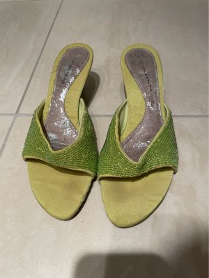 Entzückende Sandalen mit Absatz