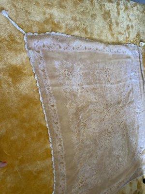 Er Piu Szydełkowany szalik kremowy-w kolorze białej wełny