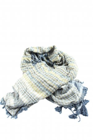 Erfurt Fringed Scarf check pattern casual look