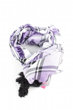 Erfurt Summer Scarf check pattern casual look