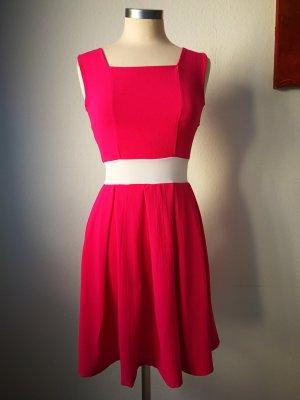 Erlesenes Kleid vom Maiocci