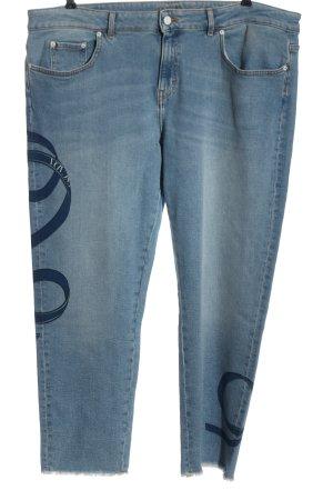 Escada Boyfriend Jeans blue themed print casual look