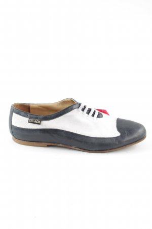 Escada Chaussures à lacets noir-blanc style d'affaires