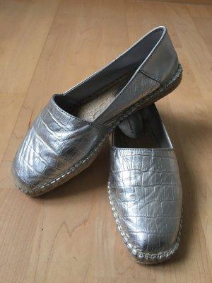Espadrilles in Silber mit Gummisohle