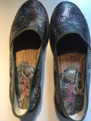Sneaker slip-on cachi