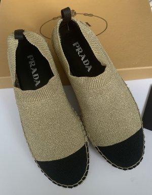 Prada Zapatos sin cordones color oro