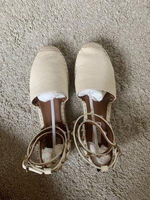 Valentino Garavani Strappy Ballerinas cream leather