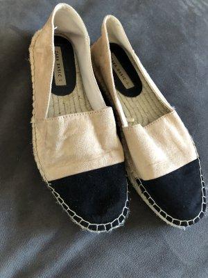Zara Slip-on Shoes black-beige