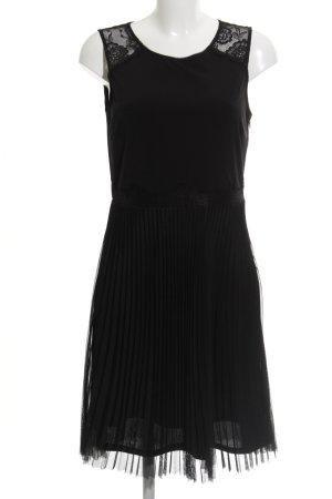 Esprit Abendkleid schwarz Paris-Look