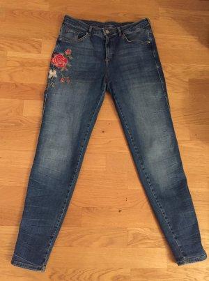 Esprit Denim: Schöne Rosen bestickte Jeans relaxed fit Gr. 29 nur 1x getragen wie neu