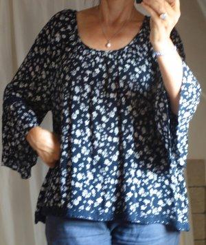 Esprit, edc, leichte Bluse mit Trompetenärmel und Spitze, Rundhalsausschnitt, schwingend weit, dunkelblau navy weiß, gemustert, floral, A-Linie, romantisch verspielt, leichter Crepe Stoff, 100% Viskose, luftig, sommerlich, sehr guter Zustand, G. L