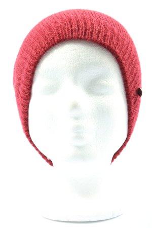 Esprit Gorro tejido rojo look casual