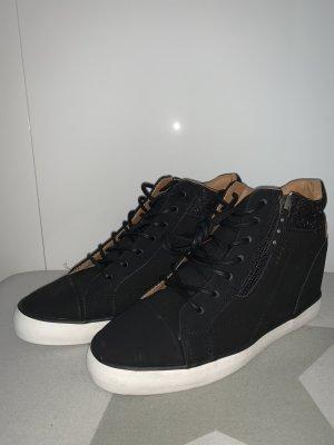 Esprit- Keilsneaker - Neu mit Etikett- NP 89,99€