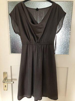 Esprit Kleid Gr.6 grau