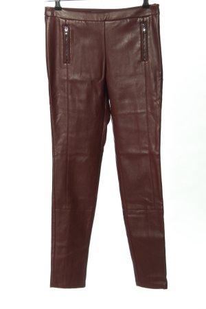 Esprit Pantalón de cuero rojo look casual
