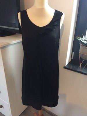 Esprit Satin Kleid schwarz, A Linie, mit Biesen und Lasercut Details am Vorderteil