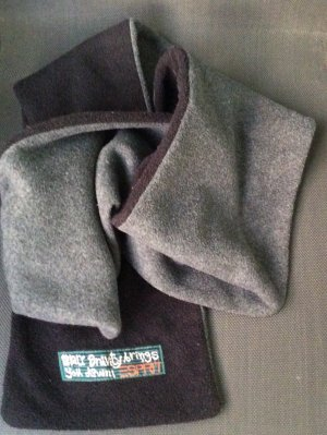 Esprit Schal Fleece grau schwarz