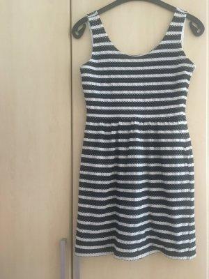 Esprit Sommerkleid schwarz weiß gestreift Gr. M