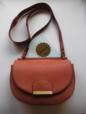 Esprit Umhängetasche mit Überschlag aus Kunstleder in hellbraun, neu