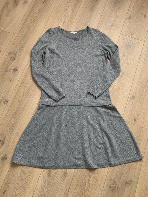 Esprit Vestido de lana gris