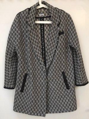 Ethno-Muster Mantel, kurz, Pimkie, neuwertig, kaum benutzt, schwarz-weiß, ungefüttert, oversized, mit Druckknopf