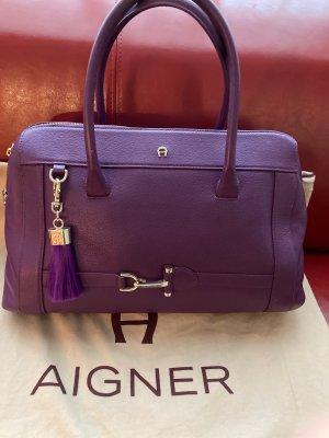 Ettienne Aigner,  Handtasche Lila mit Quaste - 40cm breit, 28 cm hoch, 16 cm tief (unten gemessen)