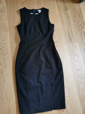 Etui Kleid (Capsule Wardrobe / Frenchstyle)