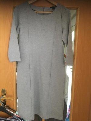 Etui Kleid Gr 40