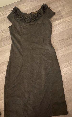 Etui Kleid mit schöner Rüschenborte , Anthrazit , Gr. 34/36, wärmender Stoff