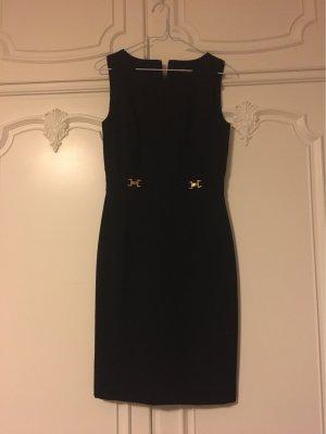 Etui Kleid schwarz mit goldenen Details