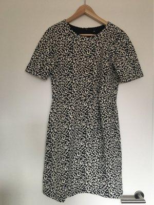 Etui Kleid schwarz/weiß