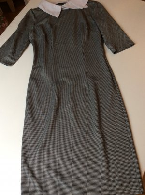 Victoria Beckham Robe fourreau blanc-noir laine
