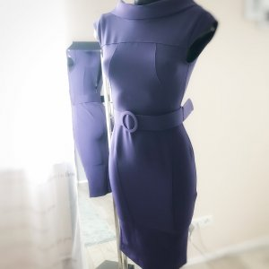 Etuikleid violett 32/34
