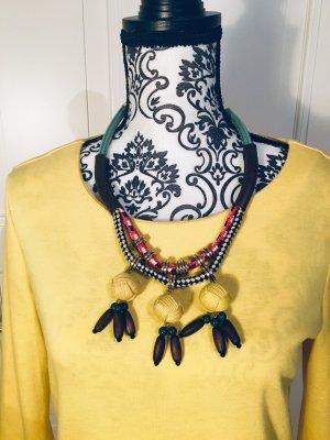 Exotische Kette mit bunten Perlen
