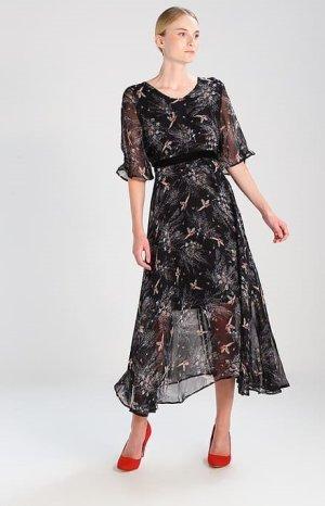 Extravagant Kleid Von Cream NEU  Gr. 38 149€