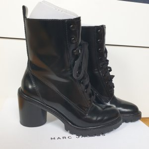 Marc Jacobs Lace-up Booties black
