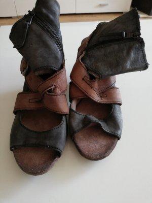 Extravagante Sandalette von Otto Kern