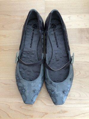 Extravagante Schuhe 39