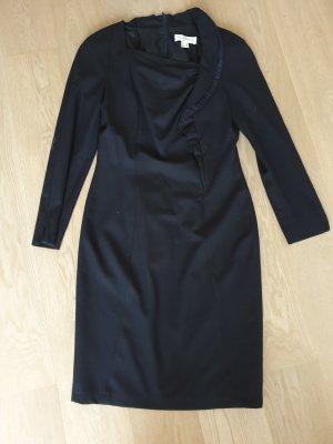 extravagantes dunkelblaues Kleid