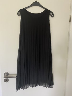 Extravagantes Kleid Plissee