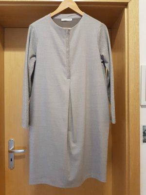 Fabiana Filippi, elegantes Kleid mit Pailettenbesatz! Neupreis ca. 450 Euro!
