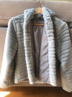 Fake Fur Jacke in hellgrau