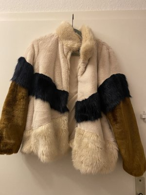 Fake Fur Jacke Zara