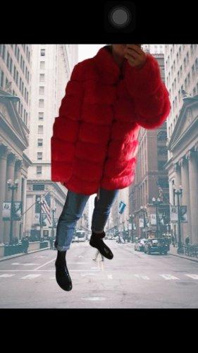 Cappotto in eco pelliccia rosso
