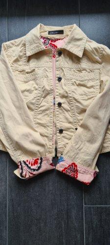 Fantastische Jacke von Marc Cain