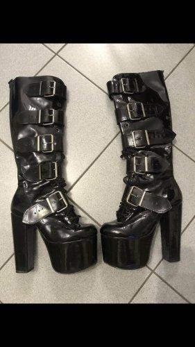 Botas góticas negro
