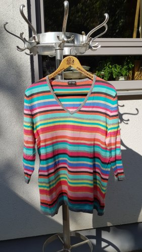 farbenfroher Pullover