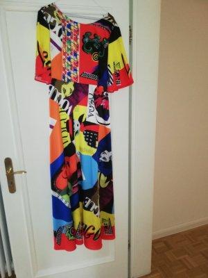 Farbexplosion: Seidenkleid mit Gürtel/Schal von Foll mit passender Tasche