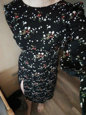 Fashion Union Petite - Midikleid mit Rückenausschnitt und Blumenprint